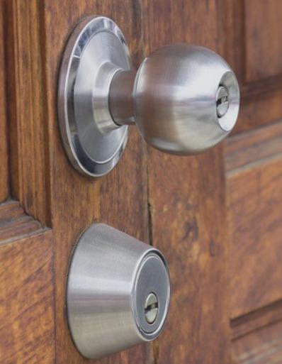 Cerrajeros Alhama de Murcia Asequibles Veinticuatro Horas Urgencias Rapidos Instalacion de Cerraduras Cerrojos Reparaciones