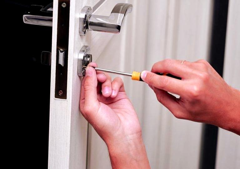 Cerrajeros La Murada Asequibles 24 Horas Urgencias Rapidos Instalaciones Cerraduras Cerrojos