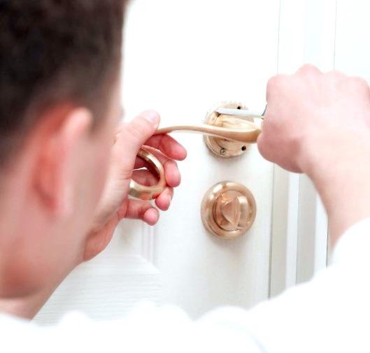 Cerrajeros Mascarat Lowcost Veinticuatro horas Urgencias Rapidos Instalaciones de Cerraduras Aperturas