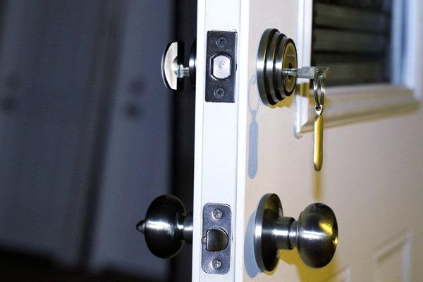 Cerrajeros CITY Asequibles Veinticuatro horas Urgentes Rapidos Instalacion Cerraduras Aperturas