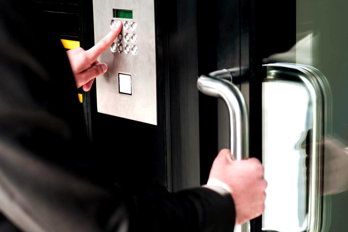 Cerrajeros Caravaca de la Cruz Lowcost Veinticuatro Hs Urgentes Rapidos Instalacion de Cerraduras Cerrojos
