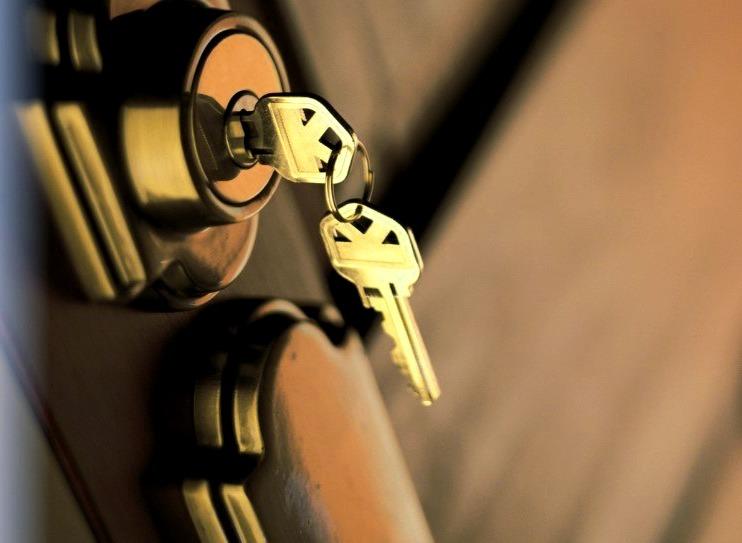 Cerrajeros Calpe Economicos Veinticuatro Horas Urgentes muy Rapidos Instalacion de Cerraduras Cerrojos