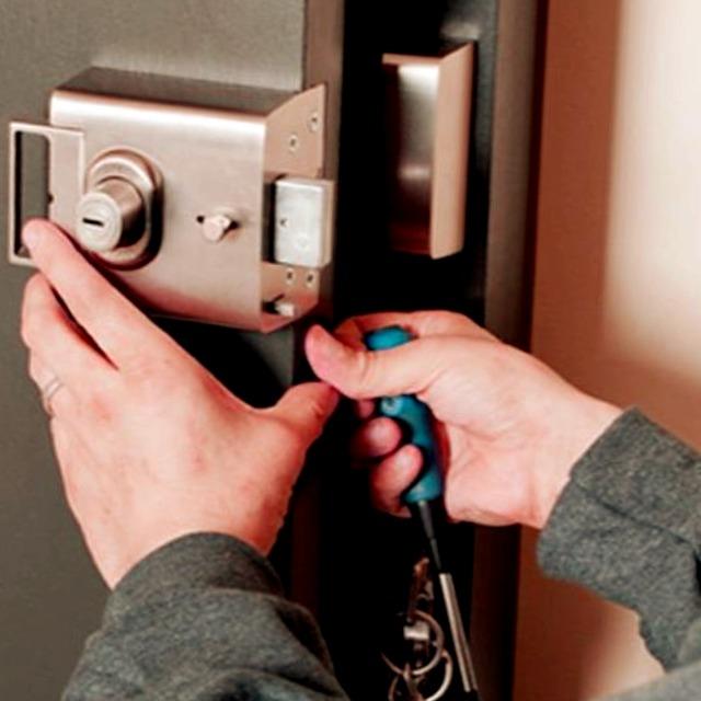 Cerrajeros Teulada Economicos Veinticuatro hs Urgentes muy Rapidos Instalacion de Cerraduras