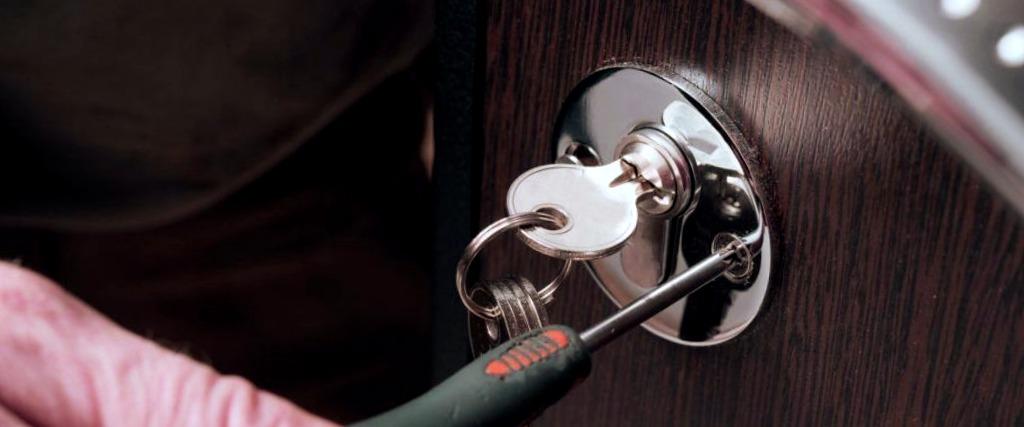 Cerrajeros Elche Lowcost 24 Hs Urgentes Rapidos Instalacion Cerraduras Cerrojos Aperturas