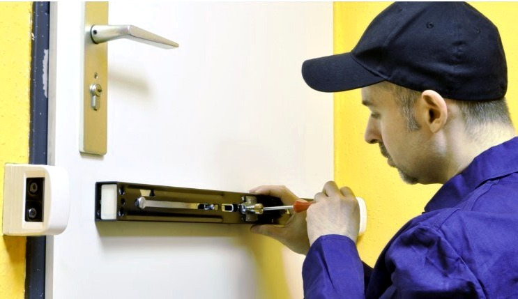 Cerrajeros Campomar Economicos Veinticuatro horas Urgencias Rapidos Instalaciones de Cerraduras