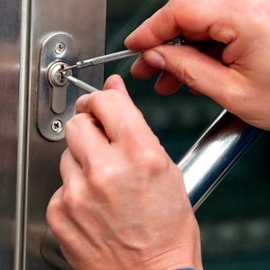 Cerrajeros Torre-Pacheco muy Lowcost 24 Hs Urgentes muy Rapidos Instalacion Cerraduras Cerrojos