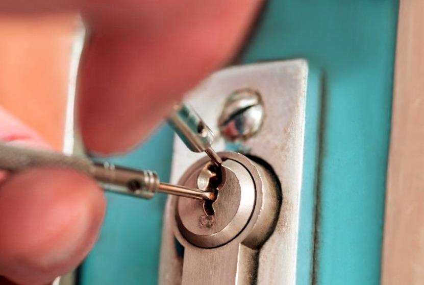 Cerrajeros Villajoyosa Asequibles Veinticuatro horas Urgencias Rapidos Instalaciones Cerraduras Aperturas